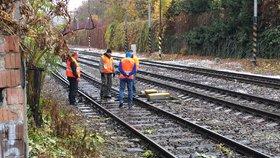Na okraji Prahy usmrtil vlak člověka. Mezi Běchovicemi a Úvaly byl provoz přerušen