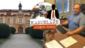 Starosta Prahy 8 úřaduje na chalupě někdejších purkmistrů: Žonglováním bojuje proti stresu