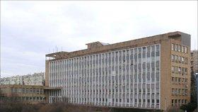 """""""Kocourkov"""" kolem Polikliniky Pod Marjánkou? Radnice obviňuje památkáře, ti ale rozhodnutí nezměnili"""