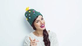 Levné dárky na Vánoce: Šály, rukavice a čepice do 300 korun!