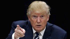 """""""Nechceme tu teroristy."""" Trump stopl přijímání uprchlíků, čeká ho žaloba"""