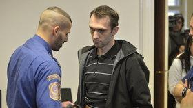 Případ taxivražd poprvé před soudem: Policisté hledali zabijáka v jedné rodině!