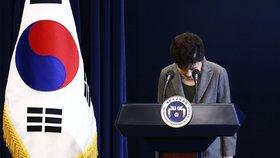 Parlament sesadil jihokorejskou prezidentku. Moc převzal premiér