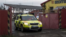 Tragédie v Neratovicích: Dělníka ve stavebninách zavalil sádrokarton