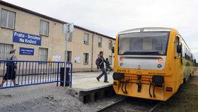 Na Smíchově zabíjel vlak. Po srážce zemřel muž (30), provoz na trati se přerušil