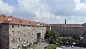 Kasárna v Karlíně, které dříve chtěla Tykačová, získal resort spravedlnosti
