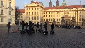 Zákaz segwayů v Praze platí, rozhodl soud. Jejich provozovatelé znovu ostrouhali