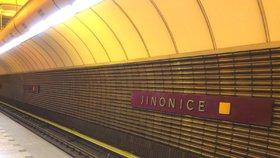 Do stanice metra Jinonice zatéká: Čeká ji sedmiměsíční uzavření a opravy za 145 milionů