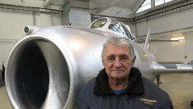 """Nový klenot Leteckého muzea Kbely: """"MiG 15bis SB dal na frak i Američanům,"""" říká pilot (73)"""