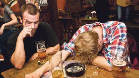 Chystáte se na páteční flám? Dejte si pozor na otravu alkoholem