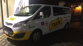 Levné taxíky pro seniory začnou jezdit v části Prahy, Písku i na Moravě