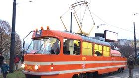 Vylepšená mazačka: Tramvaj zavlažuje trávu a sleduje kvalitu i teplotu ovzduší