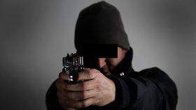 Kovbojka na Písecku: Nevrlý divák vytáhl na lidi v kině zbraň! Pak si to namířil do centra města
