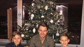 Vánoce u celebrit: Jaký stromek měl Mareš a s kým usedla k tabuli Monika Absolonová?