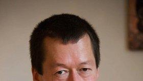 Další Okamura míří do Sněmovny: Tomiův bratr chce očistit jejich jméno