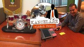 Starosta Prahy 13 je vášnivý bubeník: Bicí má i v kanceláři. A co dalšího?