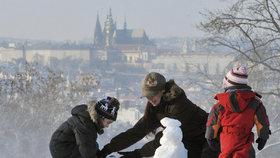 V roce 1929 naměřili v Praze 42 cm sněhu. Letošní první vločky spadnou v neděli