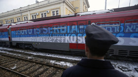 """Kosovo pobouřil vlak ze Srbska. Bere ho jako """"narušení svrchovanosti"""""""