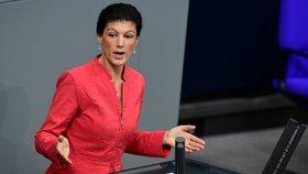 Rozpustíme NATO a spojíme se s Ruskem, navrhla šéfka německé opozice