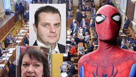 EXIT, Spiderman, Facebook? Zapomeňte. Komunisté chtějí zakázat cizí názvy