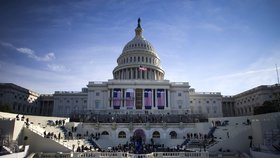 """Ne,"" řeklo 50 demokratů účasti na Trumpově inauguraci. Nixon na tom byl hůře"