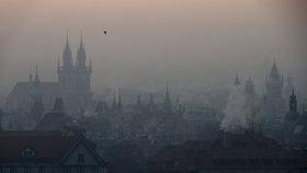 Praha zvažuje, že kvůli smogu zavede MHD zdarma. Kdyby omezila řidiče, přijdou žaloby