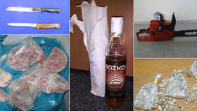 Nedopitý rum, vražedný nůž i přetžená nit: Úřad řeší podivnosti propadlé státu