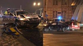 Policisté to napálili do passatu u Tančícího domu: Řidička zřejmě přehlédla majáky