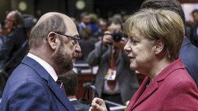 """Merkelová je unavená, míní experti. Její kralování ohrožuje """"muž z lidu"""" Schulz"""