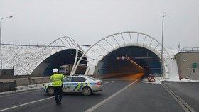 Lochkovský a Cholupický tunel opět zpřístupněn. Výpadek kamer opravili technici během půl hodiny