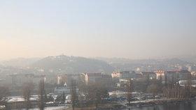 Smogová situace v Praze neustupuje: Nejhůř se dýchá lidem ve Vysočanech