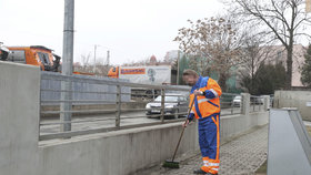 Vězni v ulicích Prahy: Co v nich dělají?