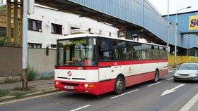"""První """"tunelbusy"""" vyjedou v Praze koncem listopadu: ROPID protestuje, není prý dostatek řidičů"""