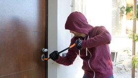 Velikonoční zloději: Využili opuštěných bytů a kradli kola a nářadí!
