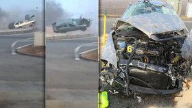 Roztočil oktávku, až udělala salta ve vzduchu! Nemůže za to alkohol, řidič (40) usnul za volantem!