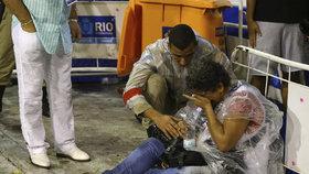 Alegorický vůz vjel na karnevalu v Riu do davu. Zranil nejméně osm lidí