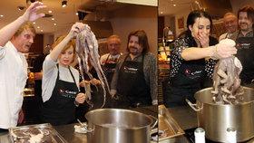 Schneiderová s Procházkovou vařily chobotnice: Se pozvracím, štítila se zpěvačka