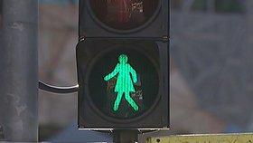 Panáčka na semaforu vytlačila panenka. Feministky před MDŽ slaví úspěch