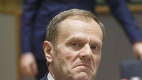 Tuskovi hrozí 10 let vězení. Popotahují ho kvůli tragédii ve Smolensku