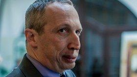 Klausův návrh věznit lidi za mazání příspěvků na facebooku narazil. Absurdní, žasla vláda