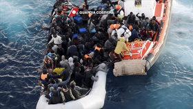 Uprchlíci mířili do Itálie. V Chorvatsku na ně spadla skála a dva lidé to nepřežili