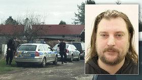 Vyhrožoval přítelkyni, pistoli namířil i na policisty: Tomáš by mohl být nebezpečný