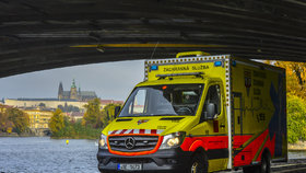 Vánoce jsou pro pražské záchranáře nejnáročnějším obdobím: Ošetří o 10 % více lidí