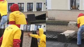 Opavští rowdies po derby s Ostravou zdemolovali plot, klub ho zaplatí! »Bylo to jak ve válce,« říká majitel domu
