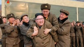 Kim Čong-una si osedlal důstojník KLDR. Diktátor se smál na celé kolo