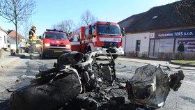 """Šofér Alfy Romeo """"sestřelil"""" motorkářku (†51): Stroj začal po srážce hořet!"""
