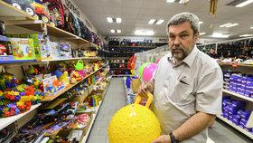 """ČOI našla při kontrole nebezpečné hračky: """"Je to katastrofa,"""" říká ředitel"""
