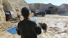 Děti umíraly po útoku sarinem v bolestech: Rusko chce dát vyšetřování stopku