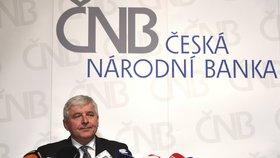 ČNB opět Čechům podražila hypotéky i úvěry. Experti: Supernízké úroky se už nevrátí