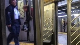 Šokující video: Žena se zasekla hlavou ve dveřích metra, neuvěříte, jaká byla reakce kolemjdoucích